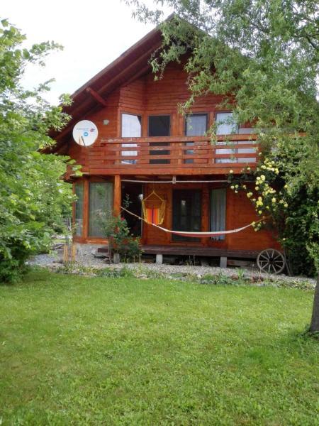 The Wooden House Moldoveneşti Apuseni Romania Book Hotel The