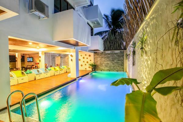 Beachwood Hotel And Spa At Maafushi 4
